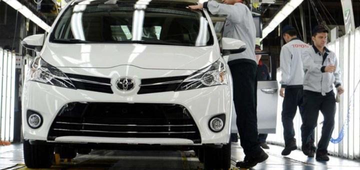 Toyota, Avrupa'daki Operasyonlarında Yenilenebilir Enerjiye Geçiyor